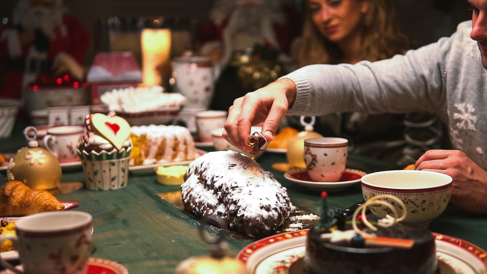 Weihnachtsstol Subliem is een Rijk gevulde en ambachtelijk gemaakte kerststol van Bakkerij Vooges