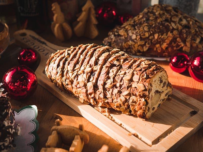 Bakkerij Vooges - Kerstbrood met amandelspijs
